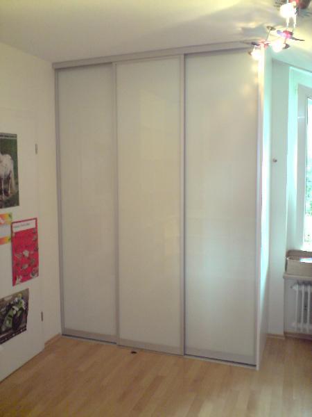 Referenz | R. & U. Winkenbach GmbH | Schiebetürenschrank