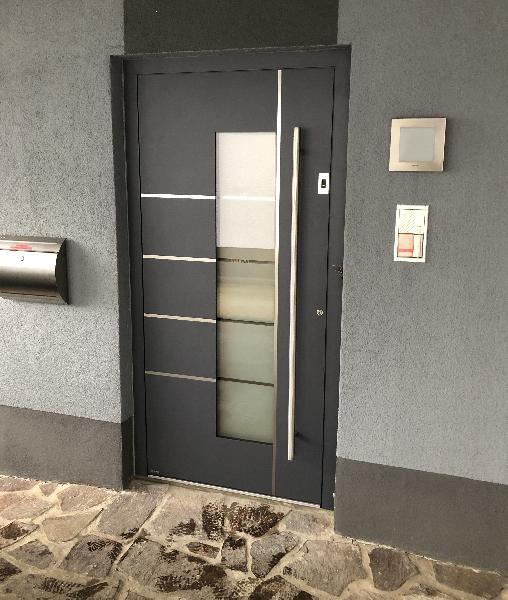 Referenz   R. & U. Winkenbach GmbH   WERU Aluminium-Haustür: Modell: H11159 mit Intarsien   Viernheim